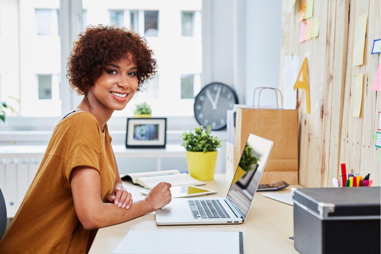 Entrepreneur starting an online business strategy
